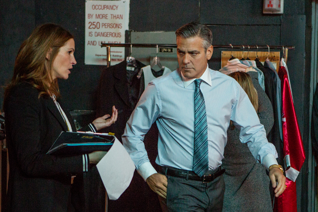 Julia Roberts plays Patty Fenn and George Clooney plays Lee Gates in TriStar Pictures' MONEY MONSTER.